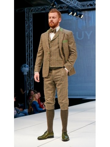 Brown checked suit with green deco and knee length pant