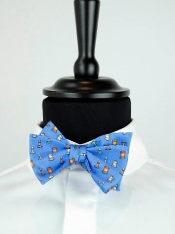 Light blue bow tie