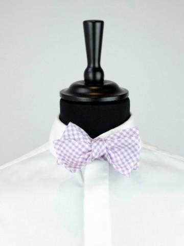 Purple-white bow tie