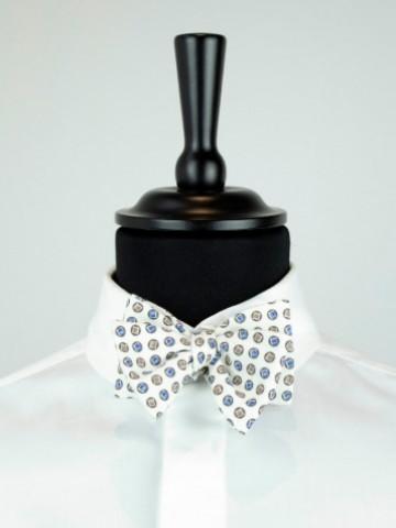White motive bow tie
