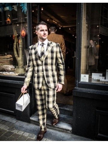 Yellow-black checked suit