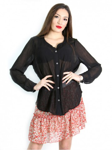 Black shirt with long sleeves