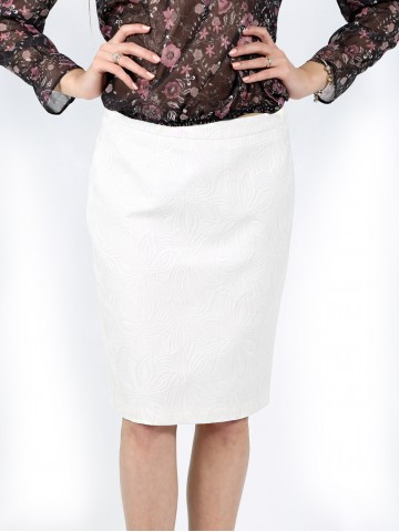 Classic white office skirt with jacquard flowers