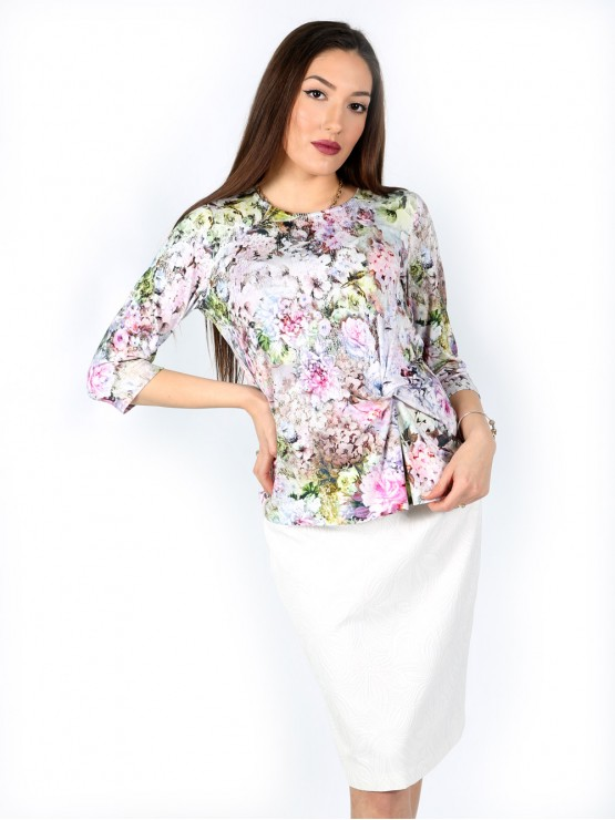 Women's blouse with 7/8 sleeve and a fancy knot with flower print
