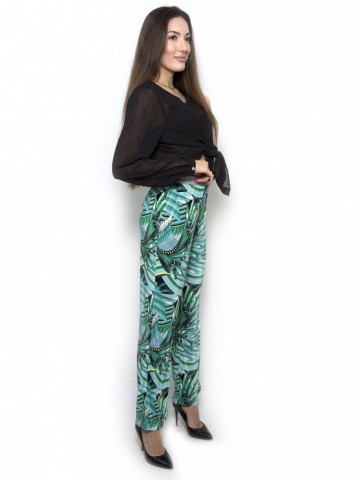 Colorful silk pants in green