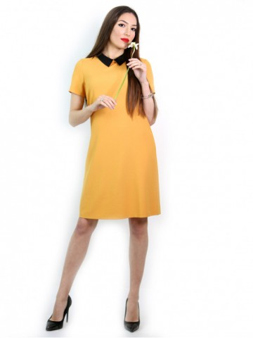 Yellow dress with short sleeves and black collar